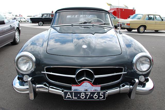 Autumn Mercedes meeting – the SLs: 1961 Mercedes-Benz 190 SL