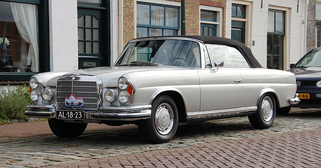 Autumn Mercedes Meeting – S-class: 1964 Mercedes-Benz 280 SE 3.5