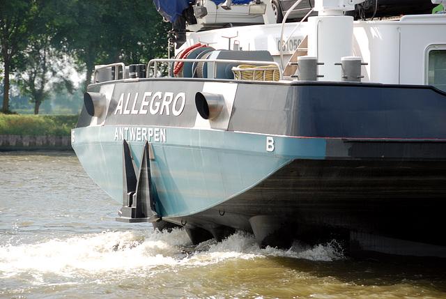 A trip with the steam tug Adelaar: Allegro of Antwerp