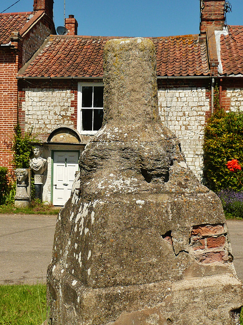 burnham overy town cross
