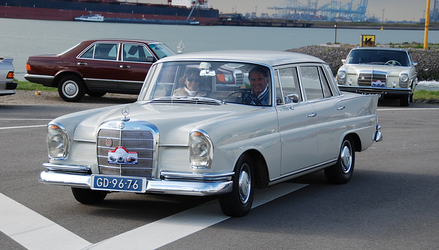 Autumn Mercedes meeting – Heckflossen: 1961 Mercedes-Benz 220 S