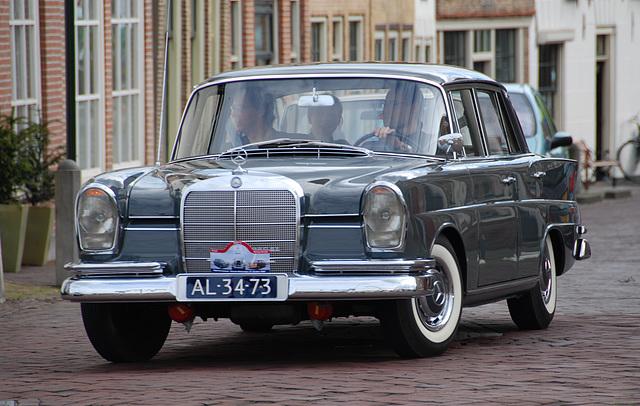 Autumn Mercedes meeting – Heckflossen: 1961 Mercedes-Benz 220 SE