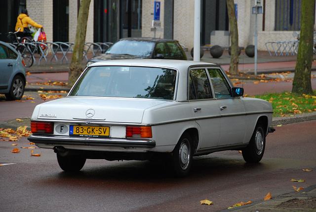 1975 Mercedes-Benz 220 D