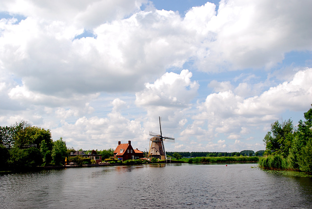 A trip with the steam tug Adelaar: view of the Vecht river