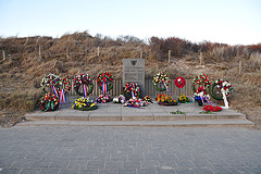 Monument for six French commandos who died in 1944