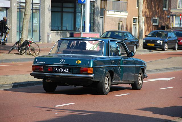Some car spots: 1976 Mercedes-Benz 200D