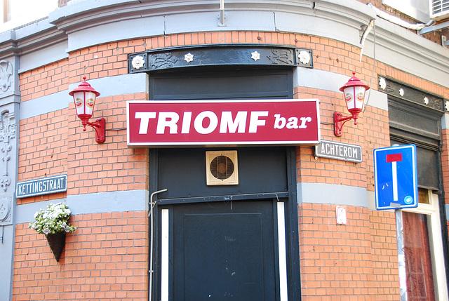 Triomf bar