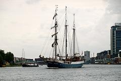 A trip with steam tug Adelaar: sailing ship Atlantis