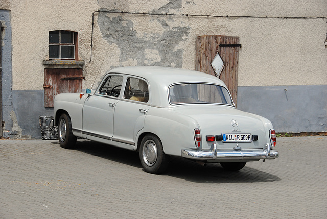 A weekend in the Eifel (Germany): Mercedes-Benz 190 D
