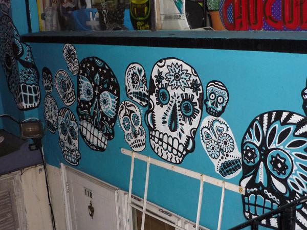 Psychadelic skulls