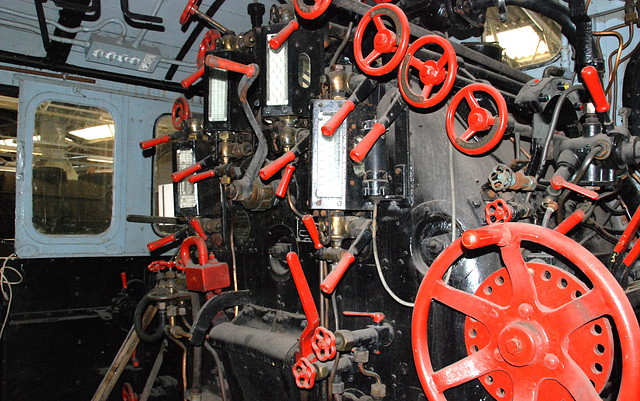 Controls on a steam engine