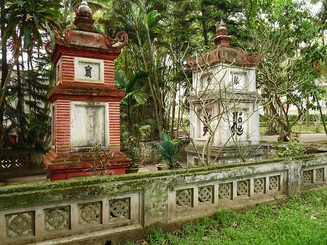 Tombs Behind the One Pillar Pagoda
