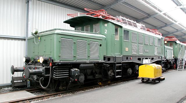 Electric locomotive E94 080