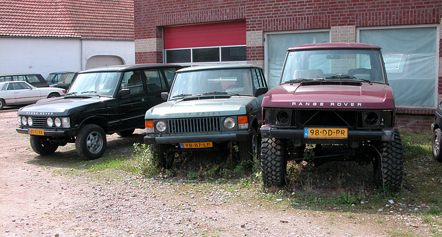 Holiday day one: Range Rovers at a garage
