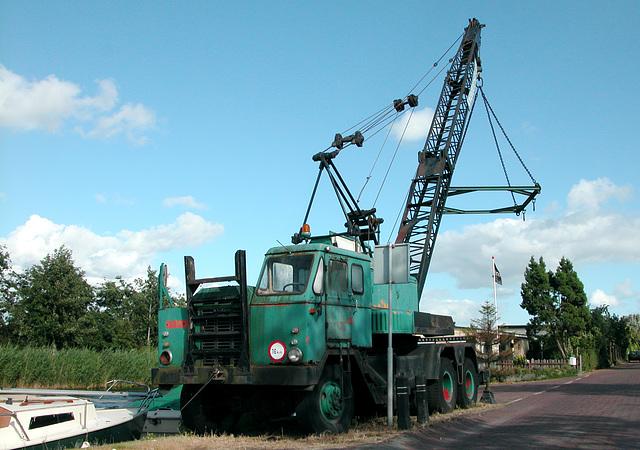 Old DAF crane