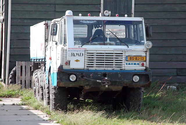 1974 Tatra T 813