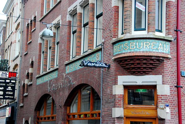 Former travel agent building for the Hollandsche Spoorweg