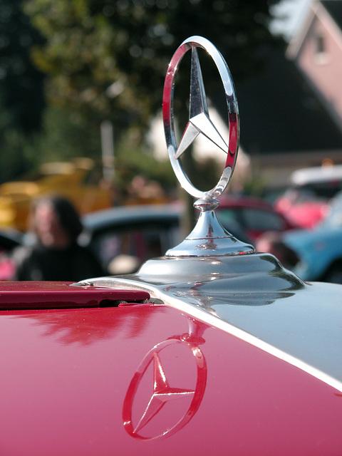 Oldtimer Day Ruinerwold: 1975 Mercedes-Benz LAF 1113 truck
