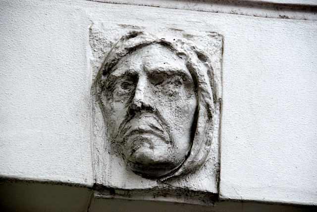 Head on a house in The Hague