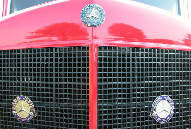 Oldtimer Day Ruinerwold: High-Mileage Awards on a 1957 Mercedes-Benz L312/48 truck