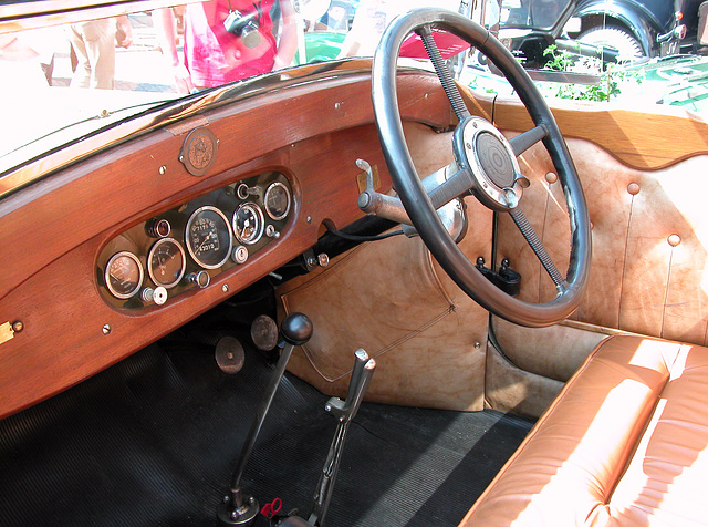 Dashboards at the Oldtimer Day Ruinerwold: 1925 Hotchkiss AM2