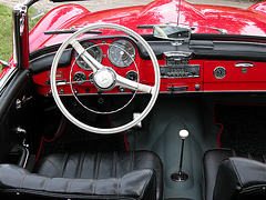 Dashboards at the Oldtimer Day Ruinerwold: Mercedes-Benz 190 SL