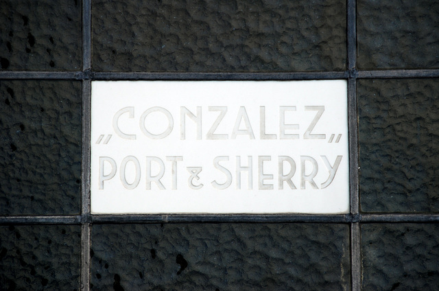 """""""Gonzalez"""" Port & Sherry"""
