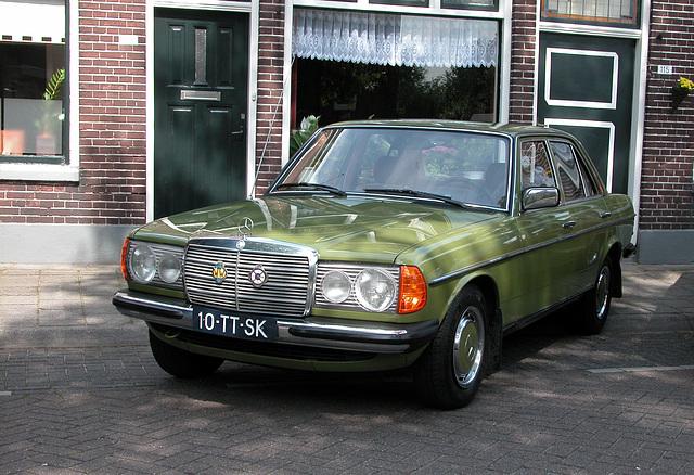 Oldtimer Day Ruinerwold: 1982 Mercedes-Benz 240 D