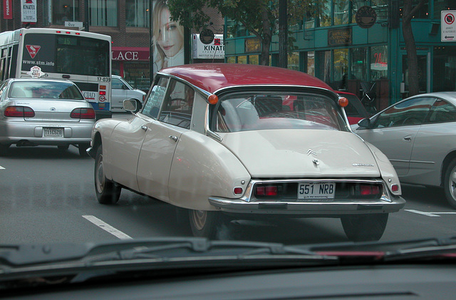 Cars in Montreal: Citroen DS