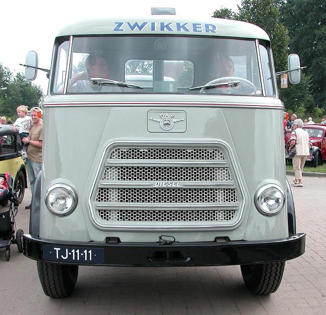Oldtimer day in Ruinerwold (NL): 1962 Daf A 1600 DD 425