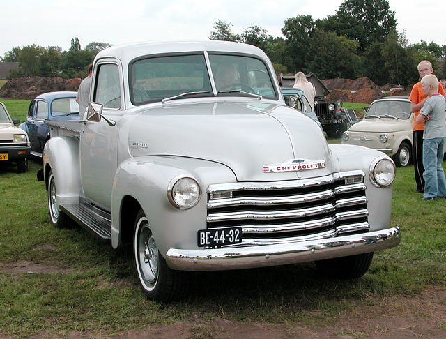 Oldtimer day in Ruinerwold (NL): 1947 Chevrolet Thriftmaster