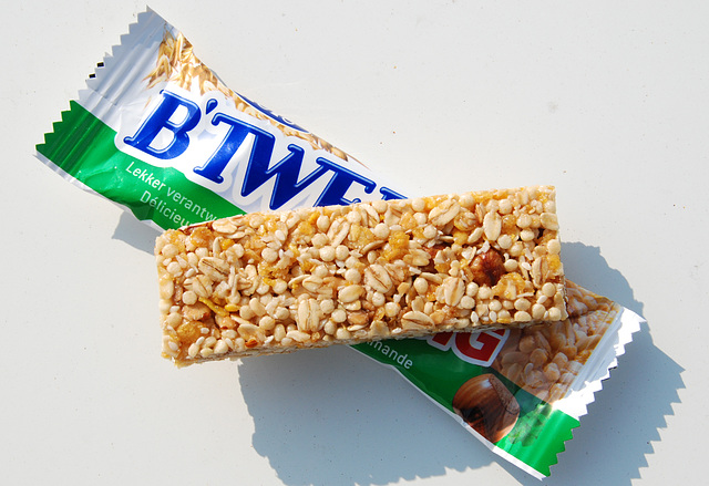 Snacks: B'Tween Big nut-and-meusli bar