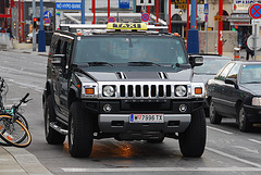 Cars in Vienna: Hummer taxi