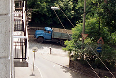 Kiev: truck climbing Shovkovychna