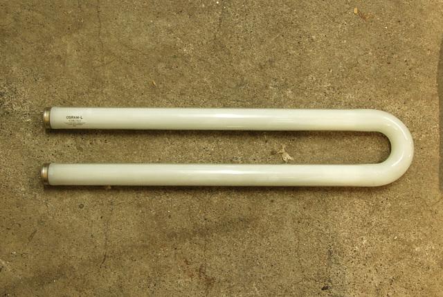 Bent light tube