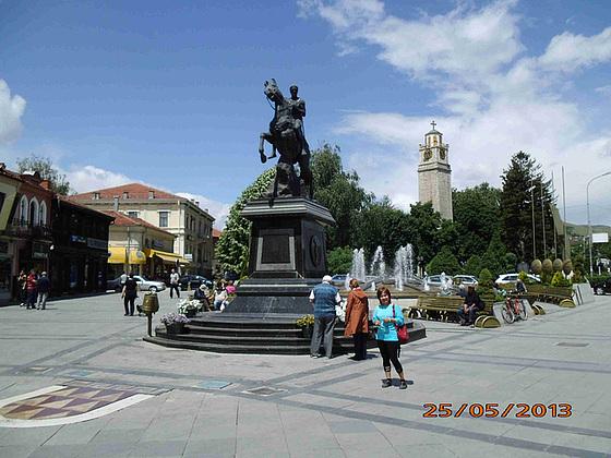 Rajdista statuo de Phillip, patro de Alexander la Grando, en Bitola