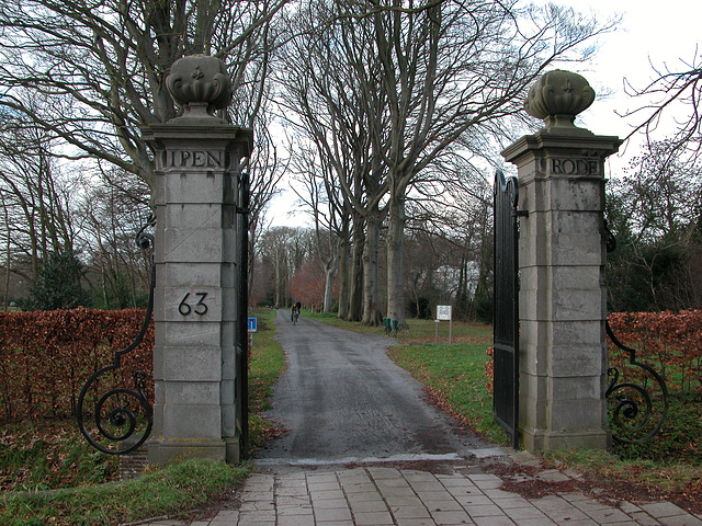 Entrance to the Ipenrode estate