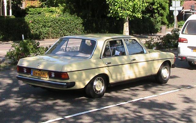 1978 Mercedes-Benz 200