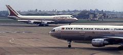 Boeing 747-237B VT-EBN (Air India)