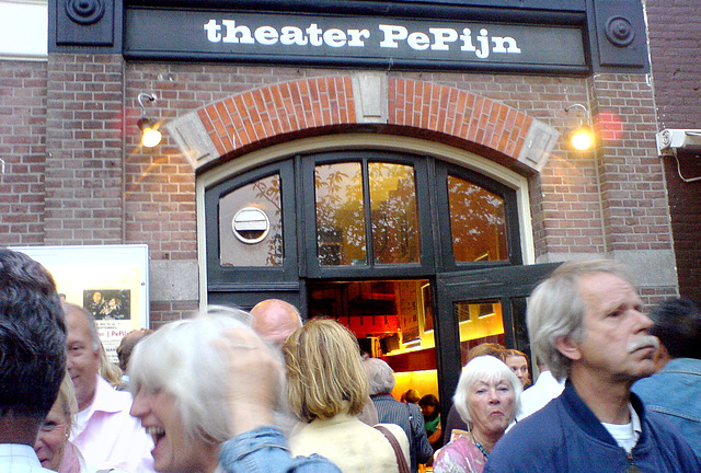 A perfomance of Noel Coward's Private Lives in theater PePijn