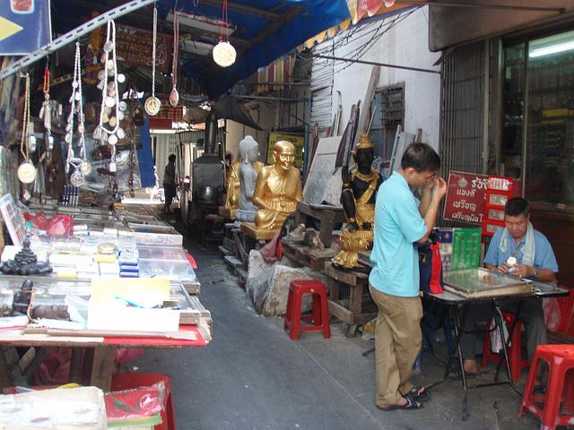 amulet market stalls