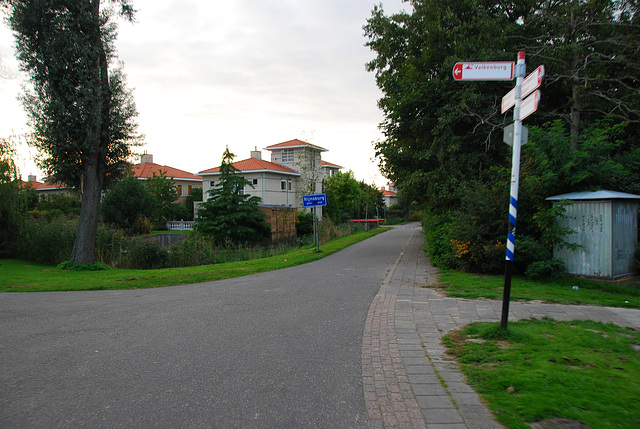 My bike ride home: the road to Valkenburg to the left