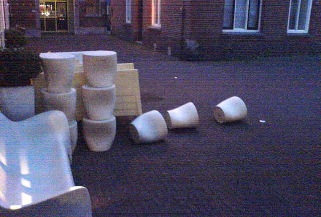 Fallen down sitting elements
