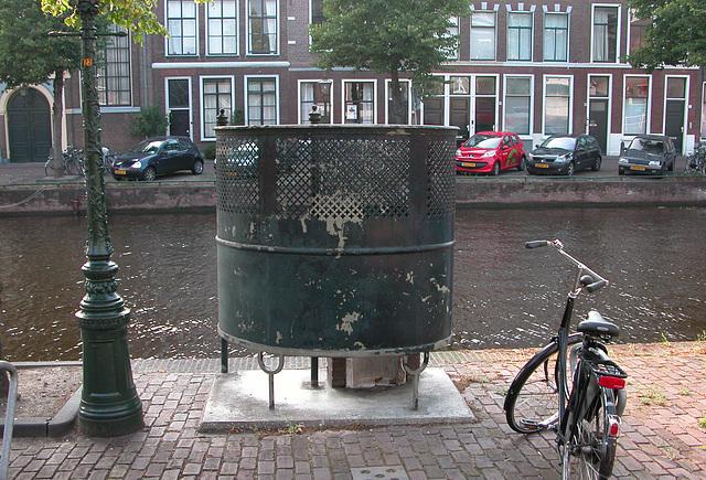 A rare urinal in Leiden