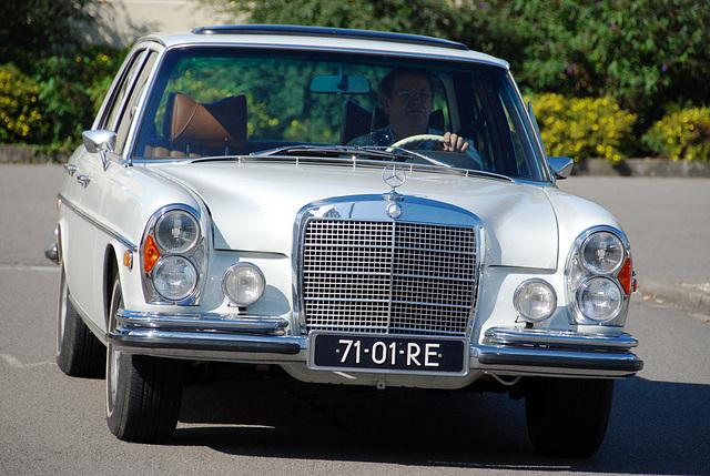 Mercedes meeting: 1971 Mercedes-Benz 280 S