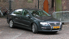 Official cars in the Hague: 2006 Volkswagen Passat diesel