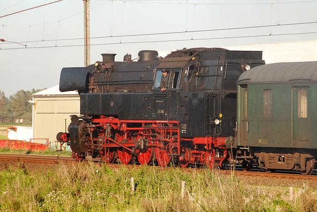 Celebration of the centenary of Haarlem Railway Station: Engine 65 018 running backwards