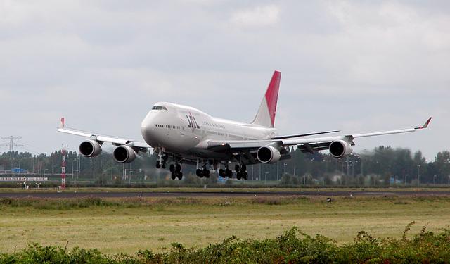 Landing JAL-Boeing 747 at Schiphol