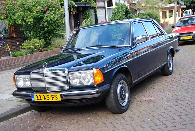 1982 Mercedes-Benz 230 E