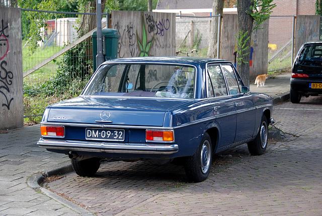 1971 Mercedes-Benz 200